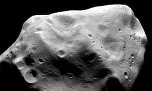 Rosetta mission: Asteroid Lutetia
