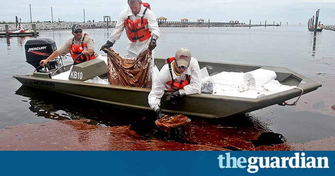 how to sign letters bp spill clean up operations environment the guardian 22365 | BP oil spill Workers skim 022