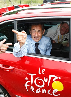 sport3: Sarkozy is seen in the Tour de France