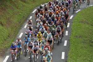sport4: The pack rides in the 174 km and 17th st