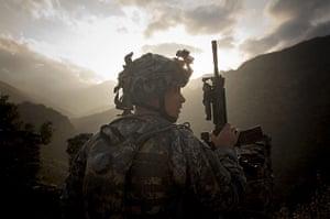 Afghanistan: 21 November 2006: A US soldier