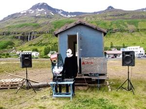Face hunter: paris: An outdoor DJ set at LungA Festival