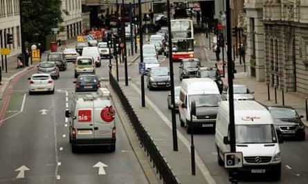 Traffic in Lower Thames Street