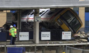 The Potters Bar rail crash in which seven people died occurred as a result of a points failure.