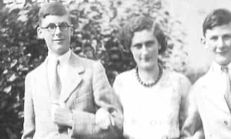 Hugh Trevor-Roper (left)