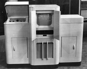 Analogue television: 1949 tv/radio