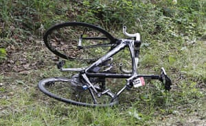 TDF Crashes: Christophe Le Mevel's broken bicycle