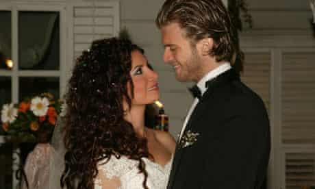 Turkish actors Songül Öden (r) and Kivanç Tatlitug are the stars of the Turkish soap opera Noor