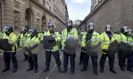 Riot police outside the Bank of England
