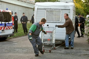 Roma deportation: Company moves a caravan of people belonging to the Roma communit