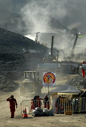 Chilean Trapped Miners: Chilean workers operate a drilling machine at the San Esteban mine