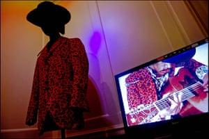 Hendrix Handel Exhibition: Jimi Hendrix exhibition opens in Handel House museum