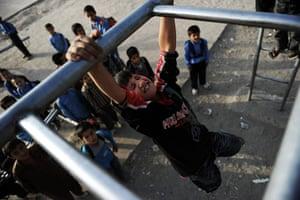 24 hours in pictures: Afghan schoolchildren