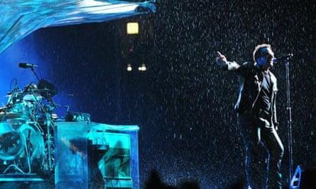 Lead singer Bono (R) of Irish rock band