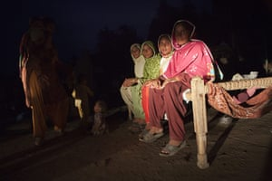 Pakistan Pregnant Women: Flooding in the district of Muzzafargarh