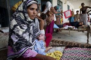 Pakistan Pregnant Women: Imtiaz and her cousin Shenaz gave birth to boys two days ago, Muzzafargarh