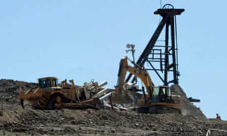 Hydraulic bore to rescue Chilean miners