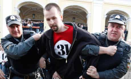 Russian police officers arrest a 31er during a protest rally in St Petersburg, May 31, 2010.