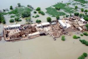 Pakistan aerial: Flooded areas near Muzaffargarh in southern Punjab