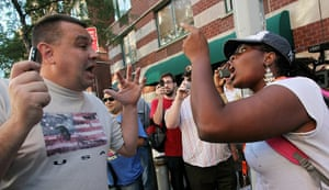 Ground Zero Mosque: Pro and anti-mosque protesters argue near the proposed mosque
