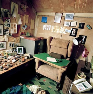 Roald Dahl Day: Roald Dahl's writing room the inside was organised as a place for writing