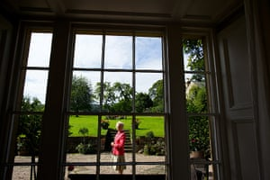 Duchess of Devonshire: The Duchess of Devonshire at home the Old Vicarage