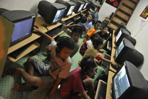 MDG: TO GO WITH INDONESIA-INTERNET-IT-BUSINES