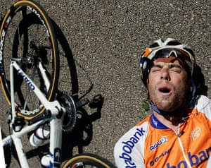 24 hours in sport: Team Rabobank rider Ten Dam grimaces after falling