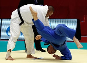 24 hours in sport: Japan's Hiroki Tachiyama fights against Uzbekistan's Abdllo Tangriev