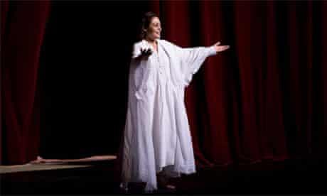 Ailyn Pérez sings Violetta in La Traviata, Royal Opera Japan tour, 2010