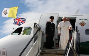Pope arrives in Scotland: Pope Benedict XVI arrives in Scotland