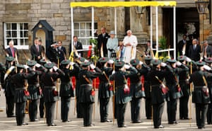 Pope arrives in Scotland: Queen Elizabeth II meets Pope Benedict XVI at the Palace of Holyroodhouse
