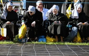 Pope day one: Pilgrims gather ahead of the arrival of Pope Benedict