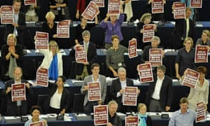 Euro MPs demonstrate on behalf of Roma people in Strasbourg