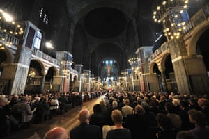 Pope Day 2: Mass celebrated by Pope Benedict XVI at Westminster Cathedral