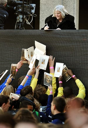 Pope Day 2: Anne Widdecombe signs autographs before Pope Benedict XVI arrives