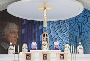 pope in birmingham: The Pope delivers a beatification mass service at Cofton Park, Birmingham