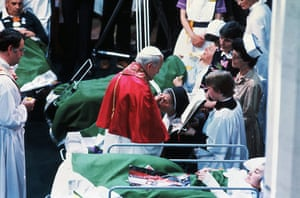 Pope 1982 Visit: Pope John Paul II Blesses Invalids