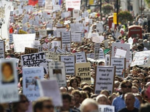 Pope Protestor 2: Thousands of banners walk through london
