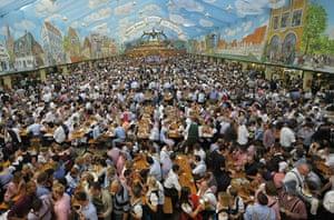 Oktoberfest: Visitors of the Oktoberfest
