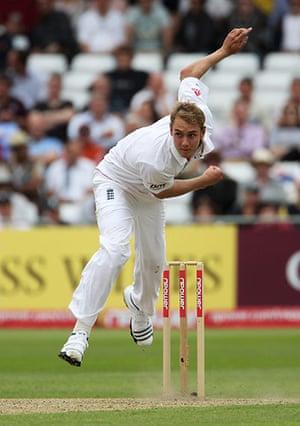 sport: England v Pakistan: 1st Test - Day Two