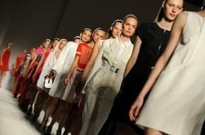 Milan Fashion Week Day 2: Sportmax: Milan Fashion Week Womenswear S/S 2011
