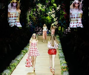 Milan Day 2 Update: D&G Spring-Summer 2011 fashion collection