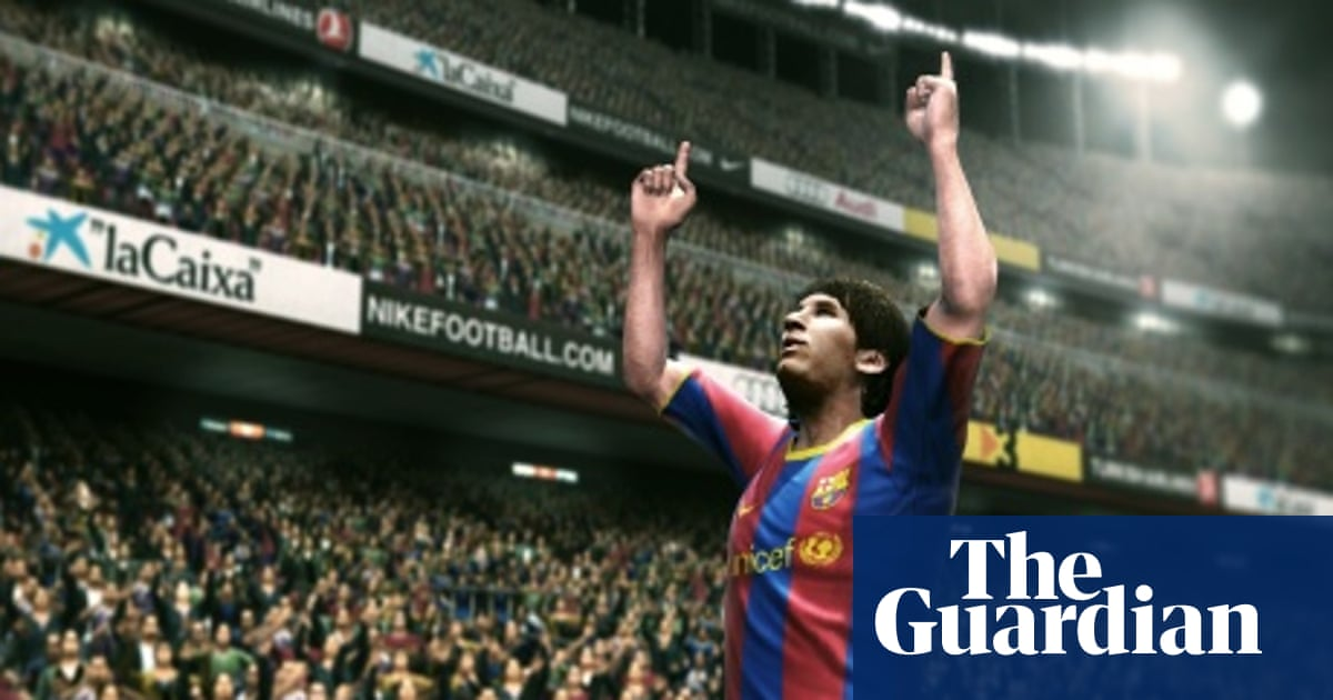 Has PES 2011 turned into FIFA? Impressions of the finished
