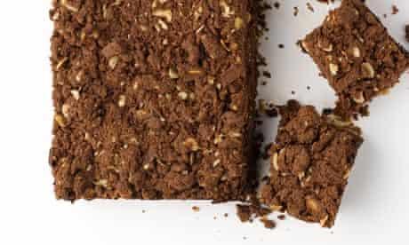 chocolate crumble date bar