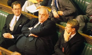 Cyril Smith (centre) with Alan Beith (left) and Paddy Ashdown in 1987.