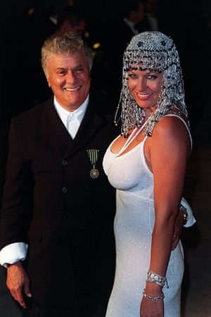 Tony Curtis: Tony Curtis with his wife Jill in 1999