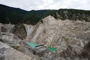 Biodiversity 100: the Deriner Dam under construction on the Coruh river