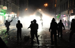 24 Hours: Riots between police and autonomous groups in Hamburg, Germany
