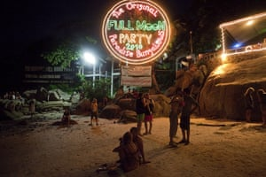 Gap Year: The Full Moon party in Koh Phangan, Thailand
